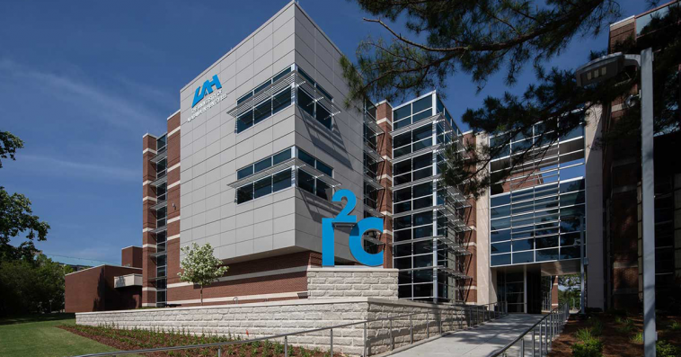 Accenture's Federal Arm Joins University of Alabama in Huntsville's Innovation Center - top government contractors - best government contracting event
